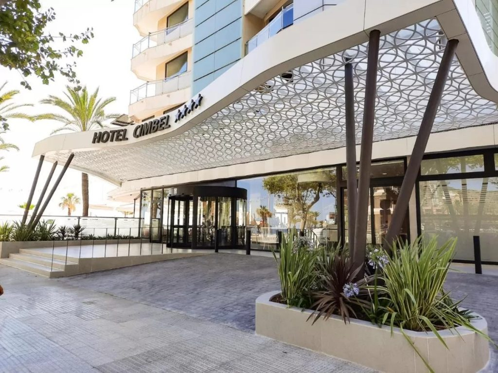 โรงแรม Cimbel