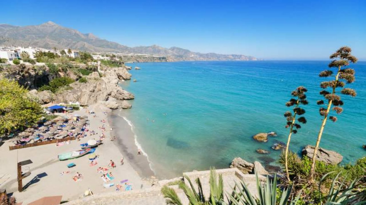 ชายหาดมาลากา Costa del Sol ที่สมบูรณ์แบบสำหรับการดำน้ำ
