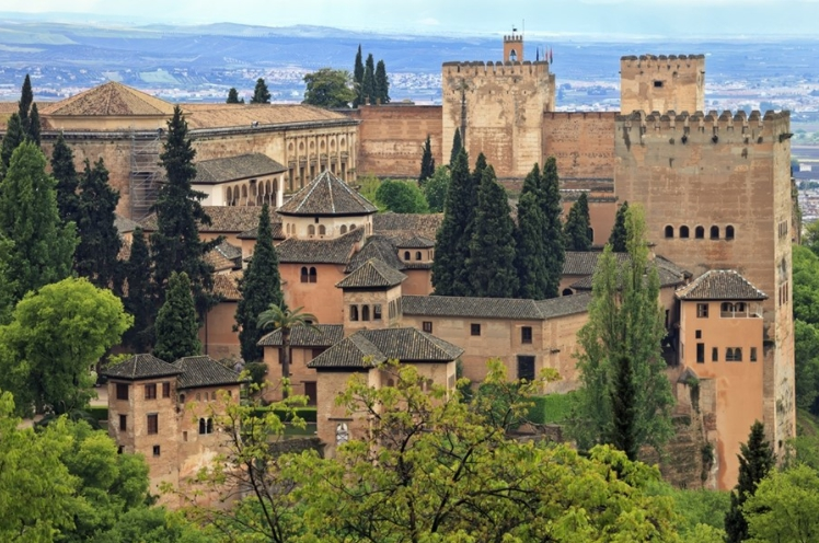 เที่ยวพระราชวังอะลัมบรา และสวนเจเนราริเฟ กรานาด้า The Alhambra and Generalife Gardens, Granada